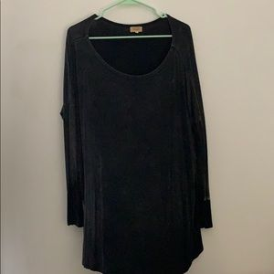 Distressed Piko Top Size L